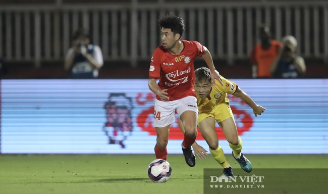 Lee Nguyễn có màn ra mắt ấn tượng, CLB TP.HCM thắng trận - Ảnh 12.