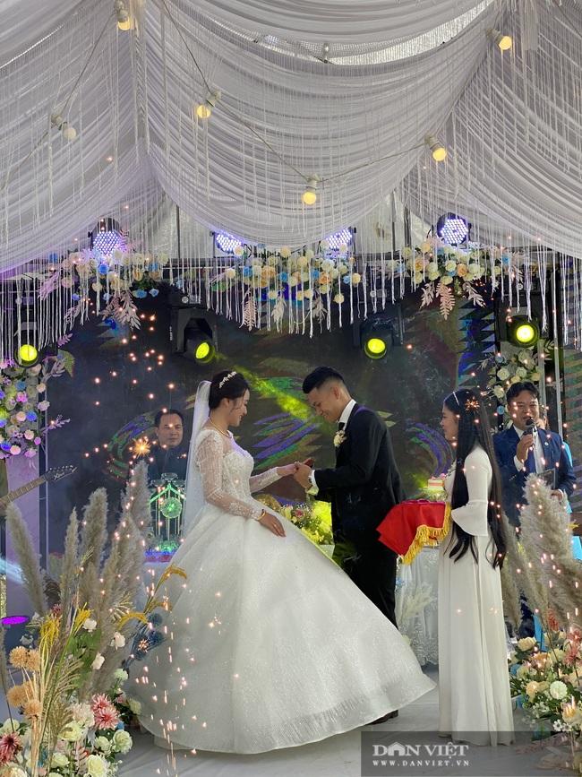 Xuân Mạnh và vợ gặp sự cố gì trong ngày cưới? - Ảnh 3.