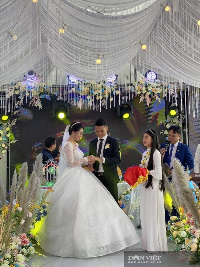 Xuân Mạnh và vợ gặp sự cố gì trong ngày cưới? - Ảnh 4.