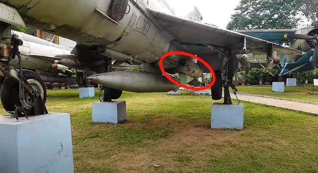 MiG-21 của Việt Nam từng có khả năng cất cánh bằng tên lửa trợ lực - Ảnh 3.