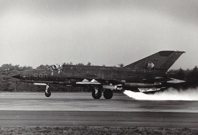 MiG-21 của Việt Nam từng có khả năng cất cánh bằng tên lửa trợ lực - Ảnh 6.