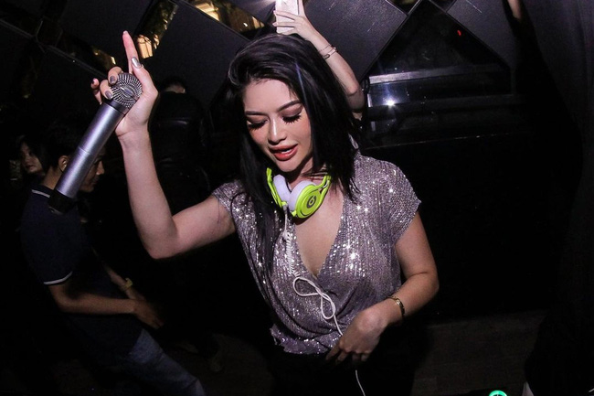 Nữ DJ gốc Việt sexy nhất thế giới Kim Lee sở hữu cuộc sống xa hoa ở Mỹ - Ảnh 2.
