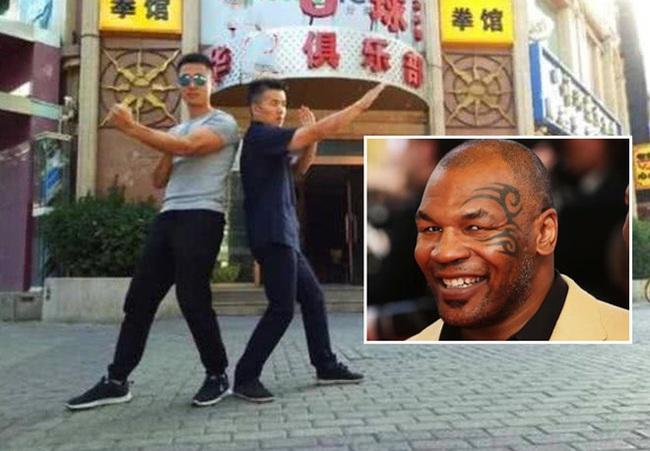 """2 đệ tử Diệp Vấn """"gạ đòn"""" Mike Tyson, chấp tất cao thủ thế giới - Ảnh 1."""
