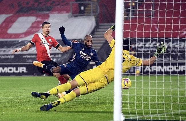 Arsenal hạ Southampton, HLV Arteta tặng chiến thắng cho ai? - Ảnh 1.