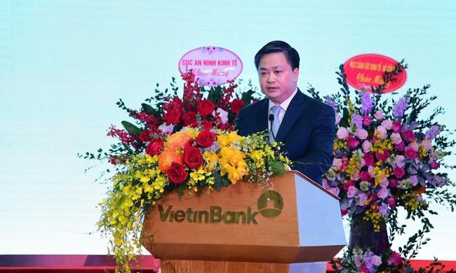 Chân dung 6 Uỷ viên Trung ương Đảng khoá XIII trưởng thành từ ngành ngân hàng - Ảnh 7.