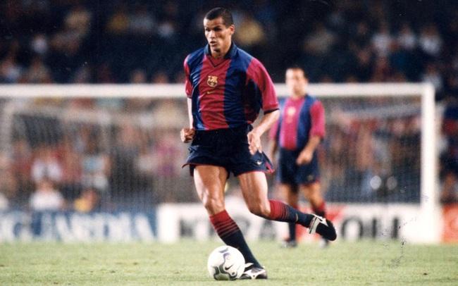 5 số 10 vĩ đại nhất lịch sử Barca: Có Maradona, Ronaldinho, Messi - Ảnh 3.