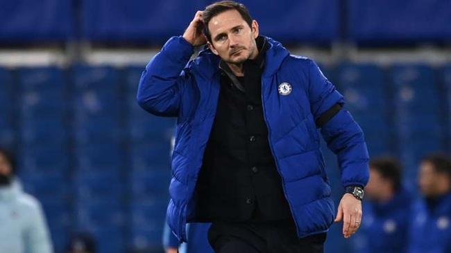 Áp lực đang đè nặng lên vai Lampard.