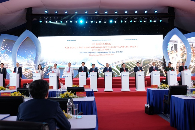 """Toàn bộ hình ảnh Thủ tướng Nguyễn Xuân Phúc """"bấm nút"""" khởi công xây dựng sân bay Long Thành - Ảnh 11."""