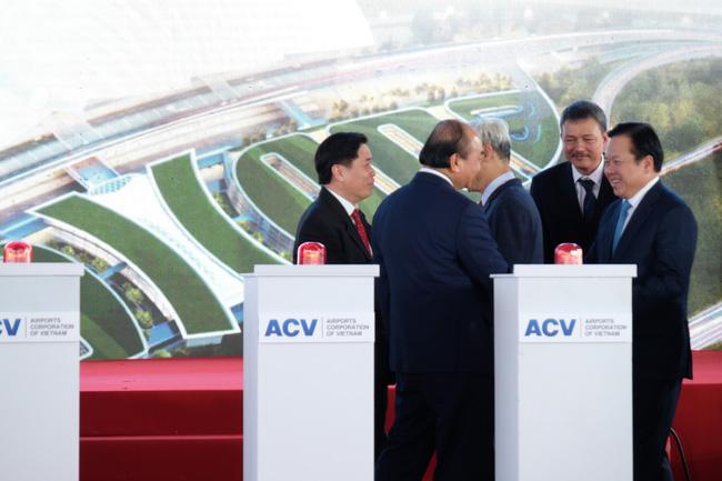 """Toàn bộ hình ảnh Thủ tướng Nguyễn Xuân Phúc """"bấm nút"""" khởi công xây dựng sân bay Long Thành - Ảnh 10."""