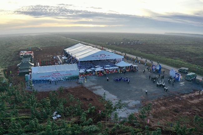 """Toàn bộ hình ảnh Thủ tướng Nguyễn Xuân Phúc """"bấm nút"""" khởi công xây dựng sân bay Long Thành - Ảnh 3."""