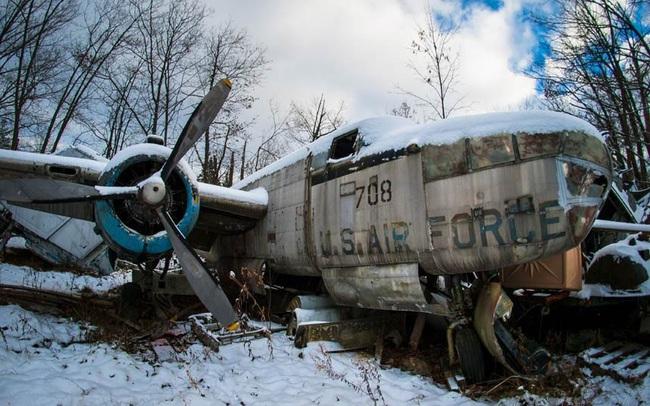 Tận mục nghĩa địa máy bay chiến đấu thời Thế chiến II - Ảnh 2.