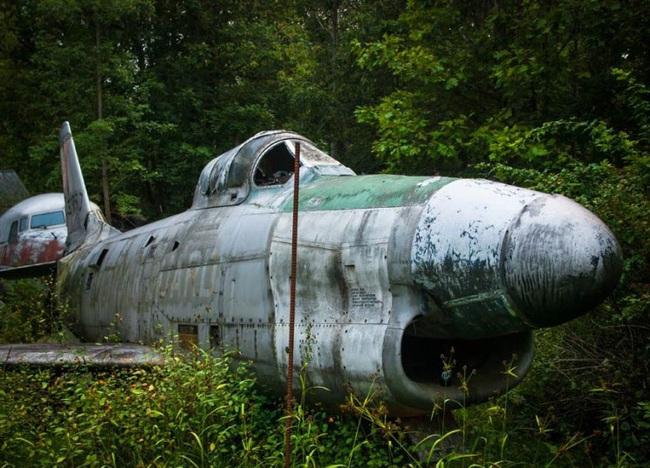 Tận mục nghĩa địa máy bay chiến đấu thời Thế chiến II - Ảnh 9.