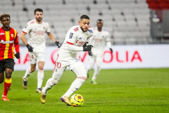 Depay muốn ở lại Lyon đến hết mùa.