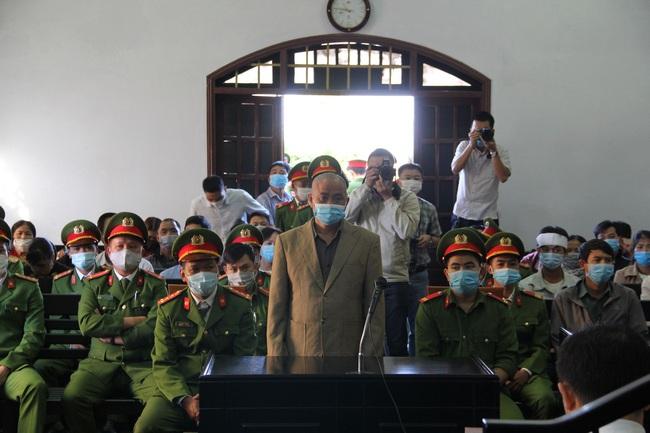 Xét xử bí thư xã giết cháu: Đỗ Văn Minh bất ngờ khai có người chứng kiến vụ việc - Ảnh 1.