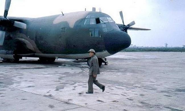 """Ảnh hiếm dàn """"ngựa thồ"""" C-130 chiến lợi của Việt Nam sau đánh Mỹ - Ảnh 6."""