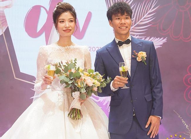 """5 đám cưới """"khủng"""" của cầu thủ Việt năm 2020: Toàn lấy tiểu thư """"cành vàng lá ngọc"""" - Ảnh 5."""