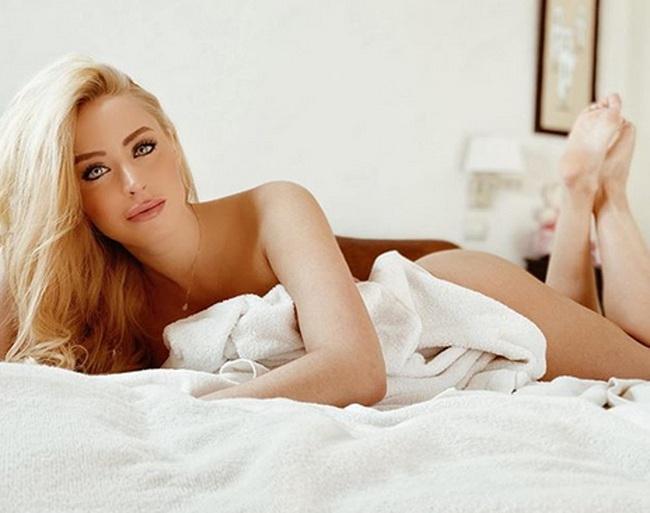 Laura Gadea: Nữ MC thể thao Tây Ban Nha khoe ngực nóng bỏng - Ảnh 4.