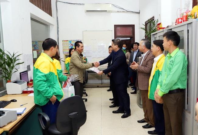 """Mùng 4 Tết, """"ông lớn"""" Supe Lâm Thao mở hàng xuất bán lô phân bón 1.500 tấn - Ảnh 3."""