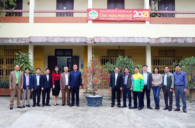 """Mùng 4 Tết, """"ông lớn"""" Supe Lâm Thao mở hàng xuất bán lô phân bón 1.500 tấn - Ảnh 4."""