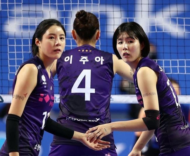 """Nguồn cơn khiến 2 chị em """"thiên thần"""" bóng chuyền Hàn Quốc bị cấm thi đấu - Ảnh 2."""