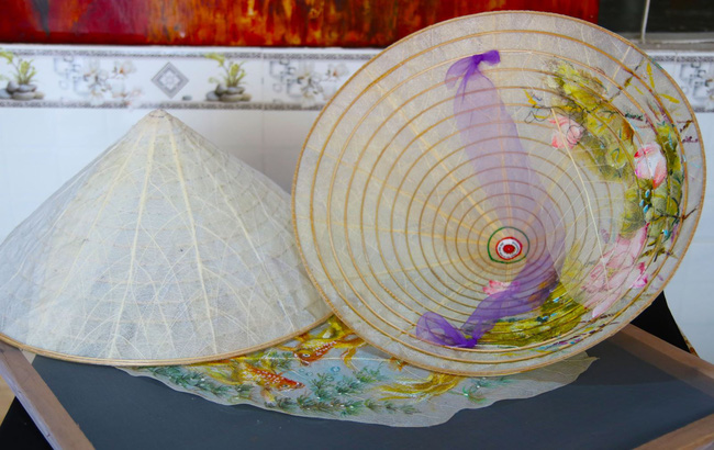 tannien/Tinh tế nón lá bàng xứ Huế - Ảnh 4.