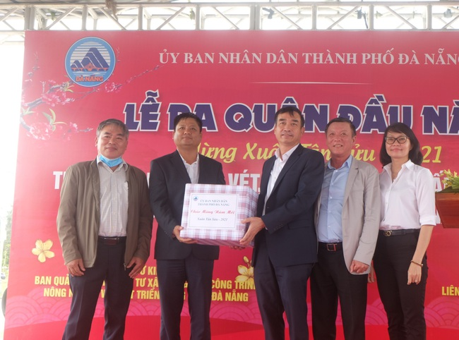 Chủ tịch Đà Nẵng yêu cầu đảm bảo 3 tiêu chí khơi thông sông Cổ Cò - Ảnh 1.