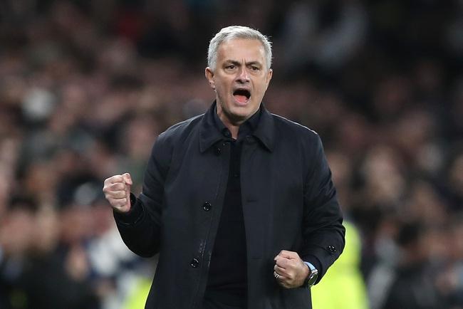 Mourinho đã từng giành Europa League cùng M.U.
