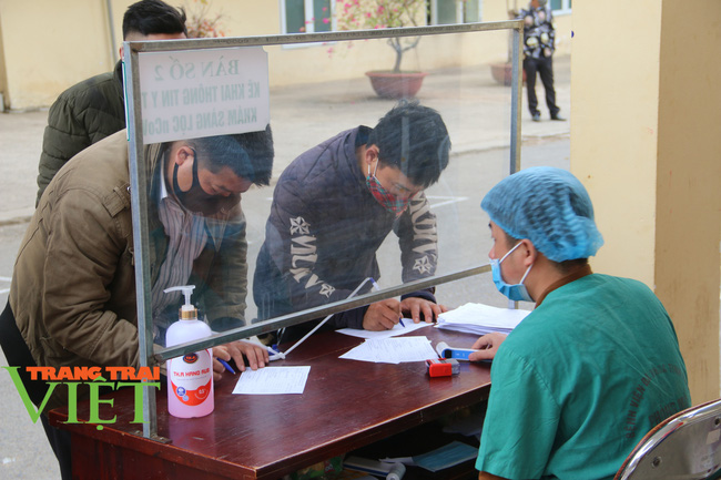 Bệnh viện Đa khoa tỉnh Sơn La: Chủ động phòng chống dịch Covid-19 - Ảnh 1.