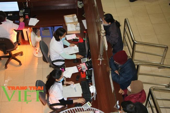 Bệnh viện Đa khoa tỉnh Sơn La: Chủ động phòng chống dịch Covid-19 - Ảnh 6.
