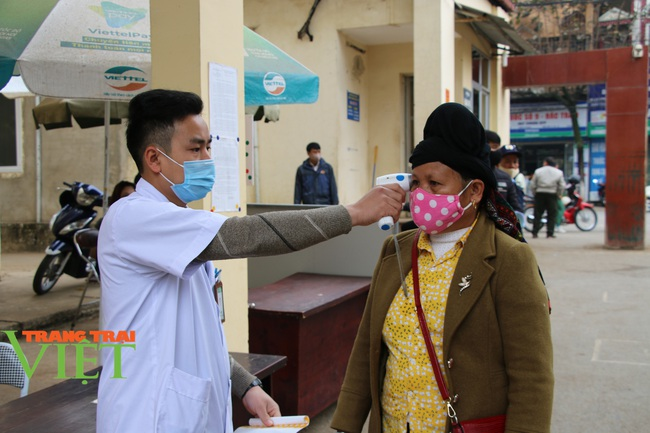 Bệnh viện Đa khoa tỉnh Sơn La: Chủ động phòng chống dịch Covid-19 - Ảnh 2.