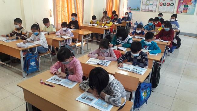 Điện Biên: Cho học sinh, sinh viên nghỉ học phòng, chống dịch Covid- 19 - Ảnh 1.
