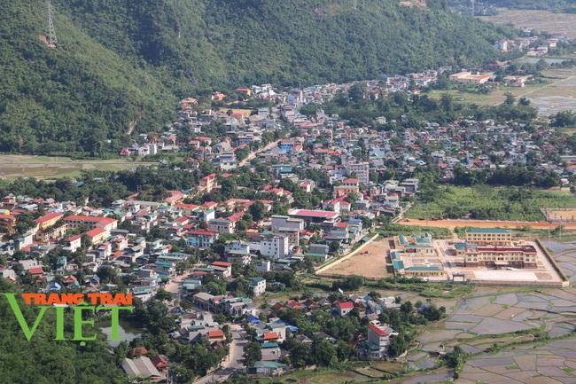 Mai Châu xây dựng nông thôn mới, đô thị văn minh - Ảnh 1.