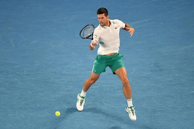 Thắng dễ Medvedev, Novak Djokovic lần thứ 9 vô địch Australian Open - Ảnh 1.