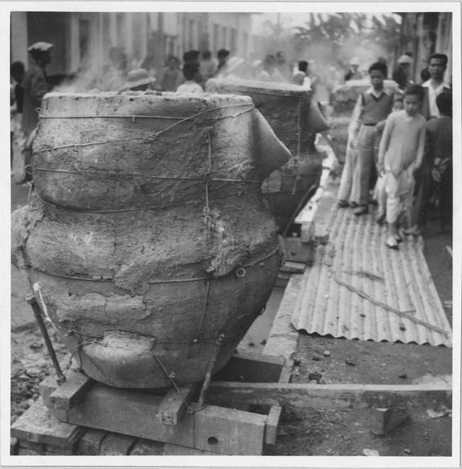 Cảnh đúc tượng Phật khổng lồ ở Hà Nội 70 năm trước - Ảnh 2.