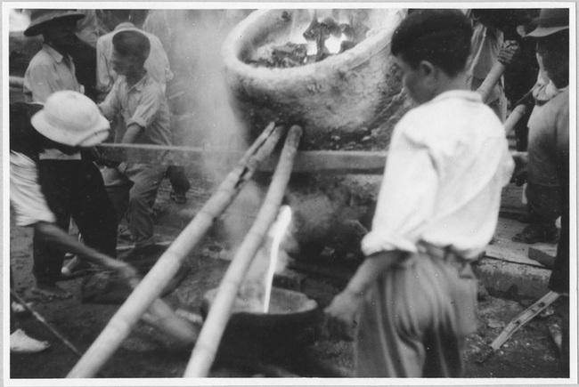 Cảnh đúc tượng Phật khổng lồ ở Hà Nội 70 năm trước - Ảnh 5.