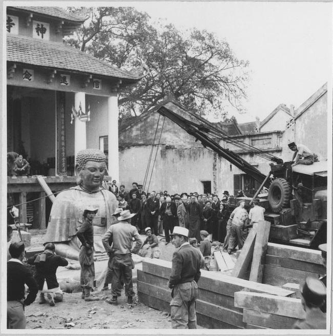 Cảnh đúc tượng Phật khổng lồ ở Hà Nội 70 năm trước - Ảnh 14.