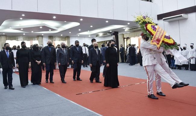 Lễ viếng nguyên Phó thủ tướng Chính phủ Trương Vĩnh Trọng tại Bến Tre - Ảnh 3.
