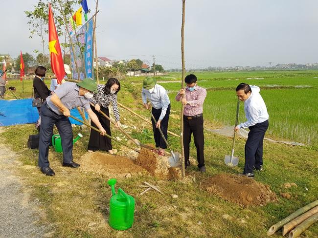 """""""Hàng cây nông dân ơn Bác"""": Xây dựng nông thôn mới xanh, sạch, đẹp - Ảnh 2."""