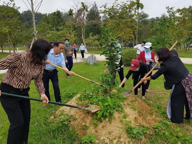 """""""Hàng cây nông dân ơn Bác"""": Xây dựng nông thôn mới xanh, sạch, đẹp - Ảnh 3."""