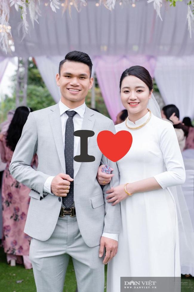 Vợ chồng Xuân Mạnh khoe xe sang dịp đầu Xuân - Ảnh 3.