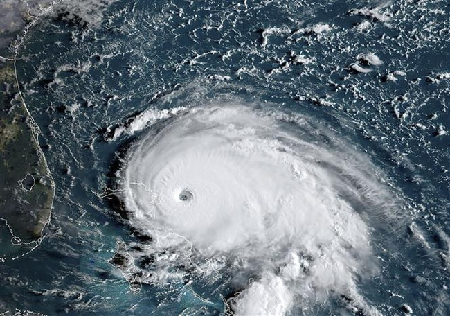 Cảm giác ra sao khi bay thẳng vào mắt của một cơn bão? - Ảnh 4.