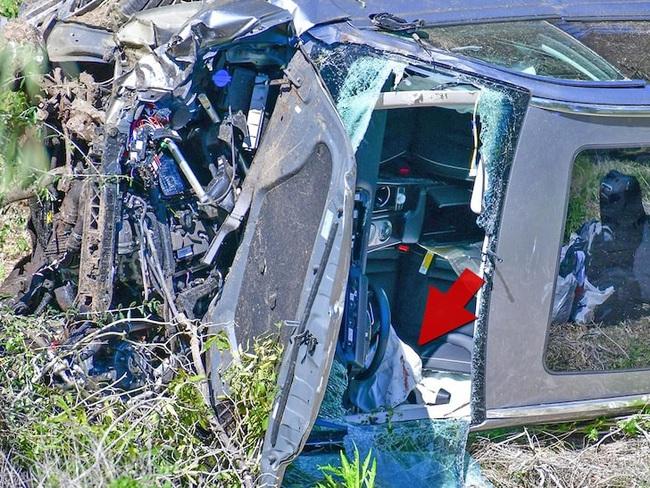 Huyền thoại golf Tiger Woods bị tai nạn xe hơi nghiêm trọng - Ảnh 1.