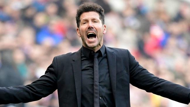 Simeone cùng Atletico Madrid thất thế trước Chelsea.