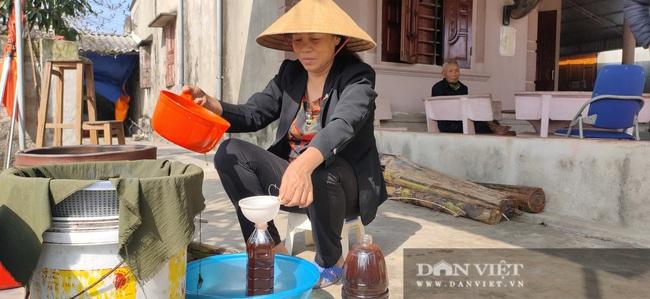 CLIP: Thăm làng nước mắm Hà Tĩnh thơm từ nhà ra ngõ - Ảnh 1.