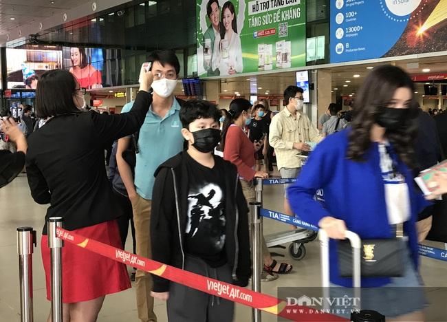 Giá vé bay Vietnam Airlines, Vietjet, Bamboo Airways giảm sốc sau Tết, vì sao khách vẫn không ham? - Ảnh 1.