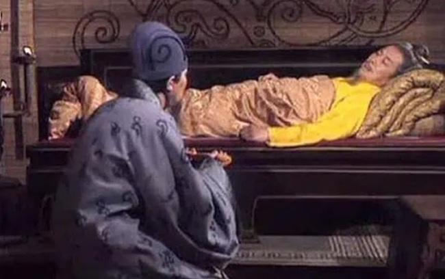 Làm trái 1 lời dặn của Lưu Bị trước khi chết, Gia Cát Lượng phạm phải sai lầm không thể cứu vãn - Ảnh 3.