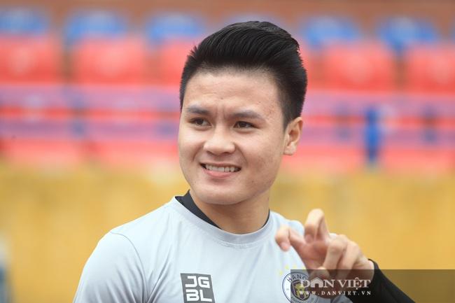 Quang Hải, Đình Trọng trêu đùa trong buổi tập CLB Hà Nội - Ảnh 3.