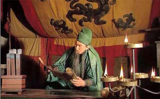 Tào Tháo không ít lần tặng mỹ nhân cho Quan Vũ để lấy lòng, tại sao Quan Vũ không bao giờ để mắt tới? - Ảnh 1.