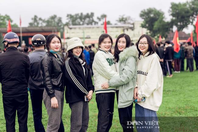 Gái Xinh Nghệ An đến tiễn đưa người thân đi nhập ngũ - Ảnh 11.