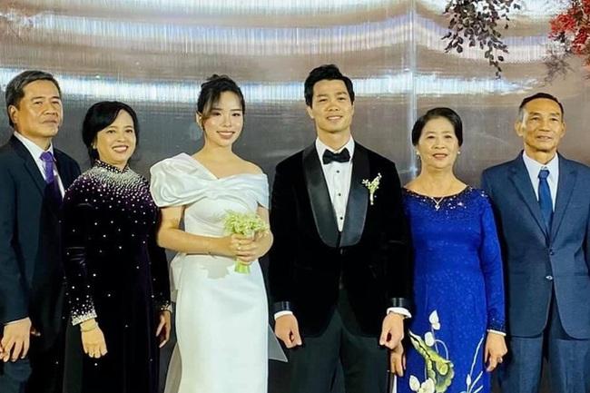 3 mẹ vợ chịu chơi và quyền lực nhất của tuyển thủ Việt Nam - Ảnh 3.